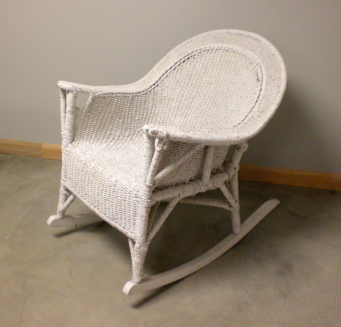 antique vtg white rope wicker rocker resembles rocking chair. Black Bedroom Furniture Sets. Home Design Ideas