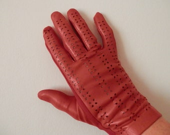Vintage Gloves Bright Red Vintage Gloves Size 7 Leather Gloves Made in England Accessorize Vintage Style
