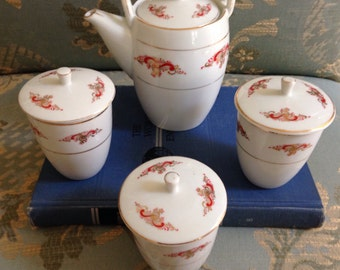 Chinese Tea Service Set with Lidded Cups