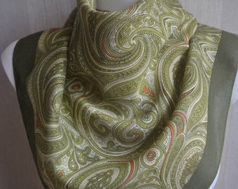 Vintage green paisley crepe acetate square scarf