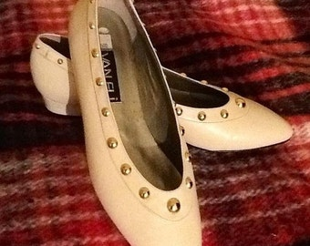 SALE BRAND NEW Vintage Leather White Studded Flats by Van Eli