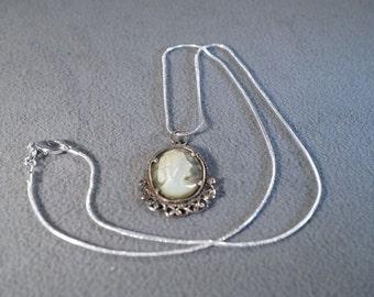 Vintage Sterling Silver Fancy Carved Shell Female Figural Cameo Filigree Pendant Charm Necklace Chain    **RL
