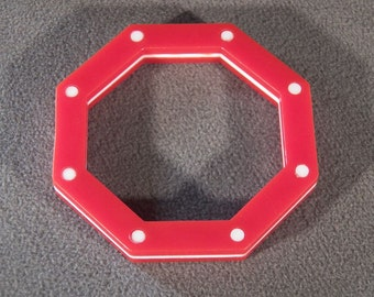 Vintage Red & White w/Polka Dots Lucite Bracelet, A Cool 8-Sided Octagon Shape!~~    **RL