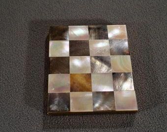 Vintage Compact Trinket Box Mirror Yellow Gold Tone Multi Mother Of Pearl Checker Board Design #1034 **RL