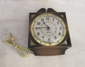 Vintage Westclox Quincy S13-AG Model 25350 Electric Wall Clock w/lighted dial