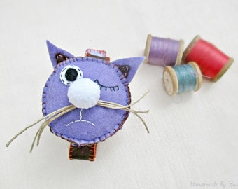 Gift for mom, Funny Cat Pin Cushion, Cat Lover Gift, Felt Lilac Pincushion, Bracelet Pincushion, Sewing Gift, Pin Organizer, Cat collectible