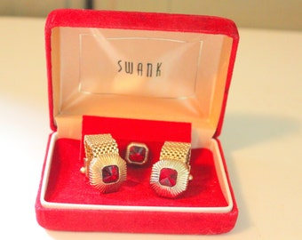 Vintage Cufflinks by Swank, Mid-century Gold Mesh Wrap, Vintage Tie Tack with Red Crystals Suit Tie Accessories New in Box