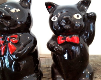 Vintage Black Pigs in Ties Salt & Pepper Shakers Figural Ceramic Shakers Cork Bottom Made In Japan