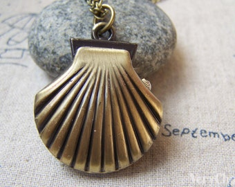 1 PC Antique Bronze Clam Shellfish Pocket Watch 33mm A5731