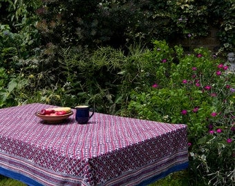 TABLECLOTH FINE COTTON Blue design on red
