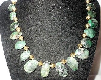 Round Oval Faceted Emeralds Necklace Set******.