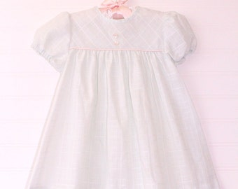 Vintage girls dress, light blue with light pink satin trim across chest , Love sz 3T