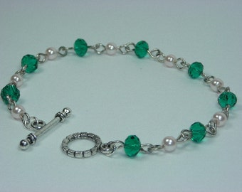 Green Crystal and White Pearl Bracelet