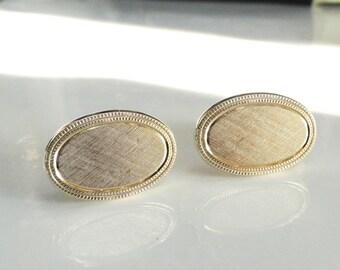 Avon Cufflinks Oval Cameo Style Gold Florentine Vintage Cuff Links