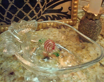 Vintage Studio Nova Mikasa Crystal-Clear Glass Strawberry Bowl - Textured, Detailed, Heavy - Excellent Condition!!