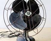 Ventilateur antique indus...