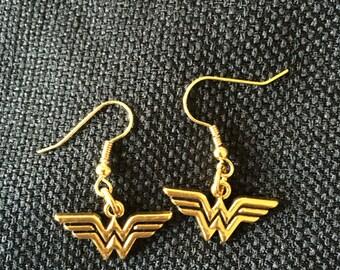Wonder Woman Dangle earrings
