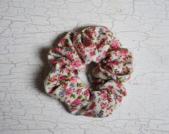 Ditsy Floral Scrunchie