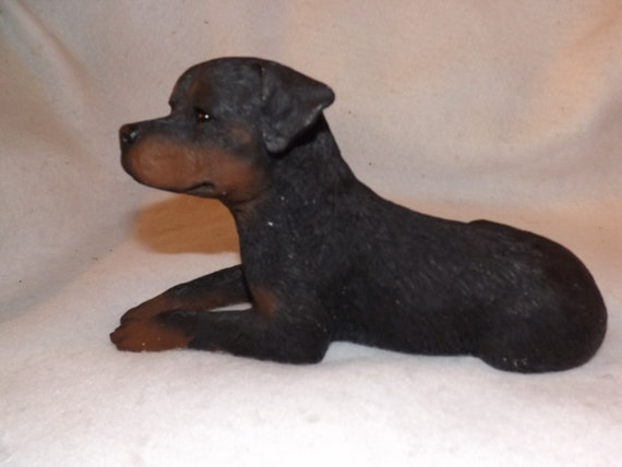 vintage black rottweiler sandicast cast stone figurine statue. Black Bedroom Furniture Sets. Home Design Ideas