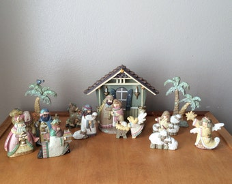 1980's Nativity Figurines - Pastel Colors - Made of Resin - Set of 14