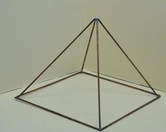Wire Pyramid Terrarium