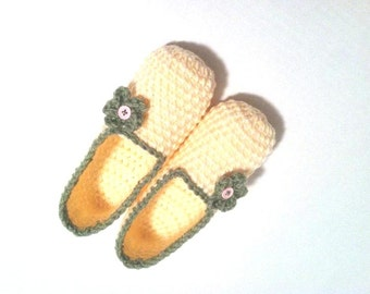 Crochet Slippers, Extra Thick Lemon Crochet Slippers, Women House Shoes, Cozy Indoor Slippers by Vikni Designs