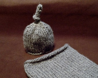 Knitting Pattern Quick and Easy Newborn Hat and Cocoon Photo Prop Shower Gift Baby Gift
