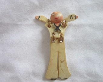 Antique WW 1 WW 2 U S Navy Soldier Figural Brooch Soldier in Uniform