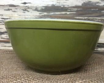 Vintage Pyrex Green Verde 2 1/2 Quart Mixing Bowl 403