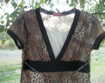 Darling Retro Cheetah Top with Accents & Ties, M or Lg