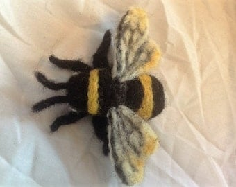 Bee brooch - needle felted bee badge - handmade wool animal brooch