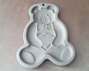 Pampered Chef, Teddy Bear, Cookie Mold, Stoneware Mold, Holiday Baking, Vintage Cookie Mold, Bear Holding Heart, Display Mold, Collectible