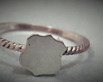 "Shop ""police girlfriend"" in Rings"