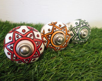 Ceramic drawer knobs - Set. Floral drawer knobs, door knobs, drawer pulls.