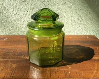 Lime Green Glass Jar, Vintage Kitchen Canister Jar, L E Smith Geometric Emerald Green Jar, Perfect for Green Tea or daily dose of flax seeds