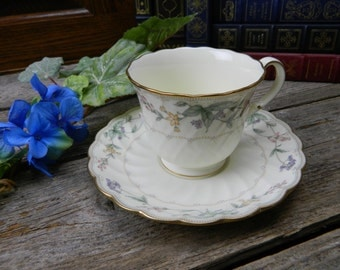Set of 4 Vintage Noritake Brookhollow Cups and Saucers