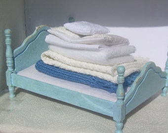 1/12 scale Dolls House Shabby Chic Double bed and bedding