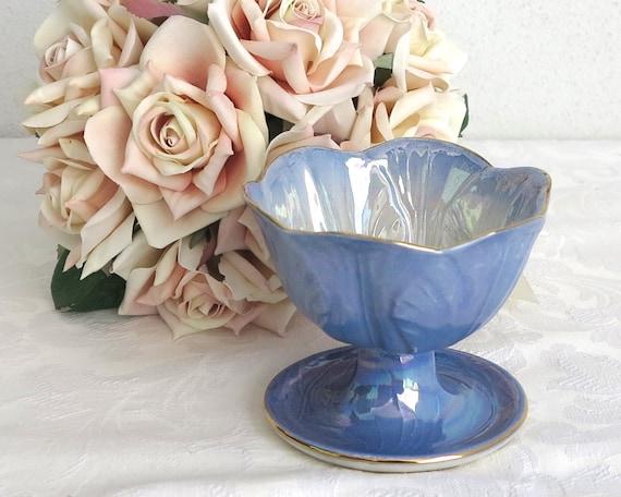 Maling blue lustre sundae / dessert footed bowl, cabbage leaves, Harlequin range, England, 1950s