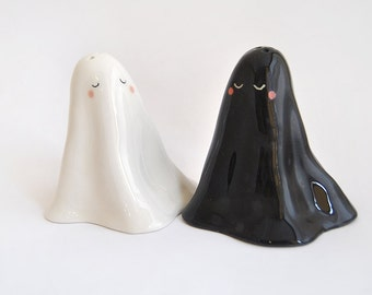 Ceramic Salt and Pepper Cellar or Salt and Pepper Shakers, Ghost Shaped, in White Clay or Faience, Black and White. Made To Order