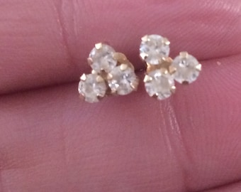 Vintage 10k. Yellow Gold Sparkly CZ'S Post Earrings.