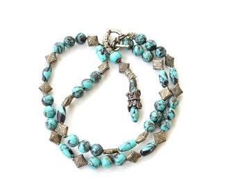 Vintage 90s elegant turquoise necklace / turquoise beaded necklace