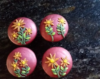 Flower drawer pulls, flower cabinet pulls, flower cabinet knobs, polymer clay applique cabinet pulls, red cabinet knobs (set of 4)