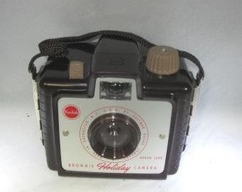 Vintage Imperial Flash Mark XII Camera Black for 620 Film with Black Wrist Strap