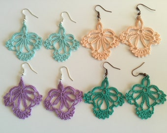 Crochet dangle earrings, 100 % cotton. Free shipping.