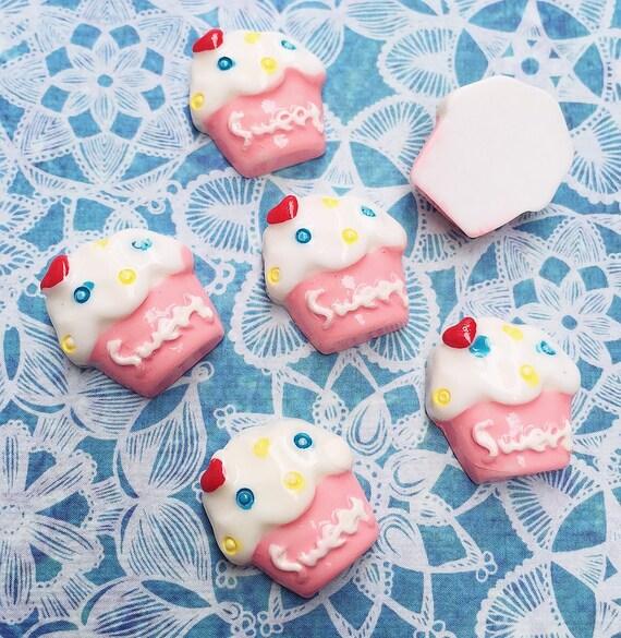 3 pcs.17x18mm.Miniature Cabochon Cupcakes,Miniature Cupcakes,Cabochon,Resin,Miniature Sweet,Mobile Accessories,Miniature cake,DIY