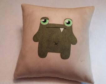 Frogg - Fawn Pillow