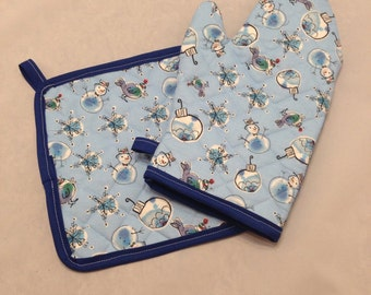 Blue snowman and bulbs quilted/insulated pot holder and oven mitt set