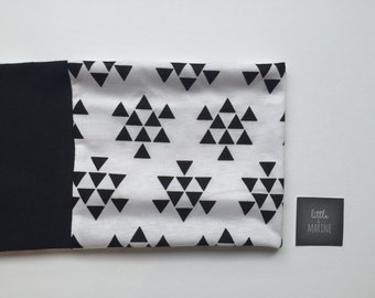 Baby Infinity scarf - Toddler scarf bib - black triangle
