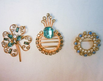Vintage Brooches Pins Gold with Blue Aqua Stones
