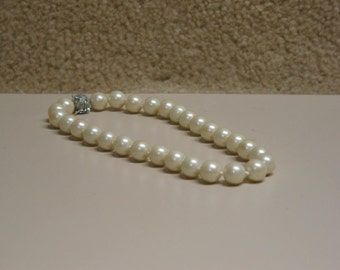 Beautiful Vintage Glass Pearl Necklace With Magnetic Ball Snap Lock Accented in Rhinestones